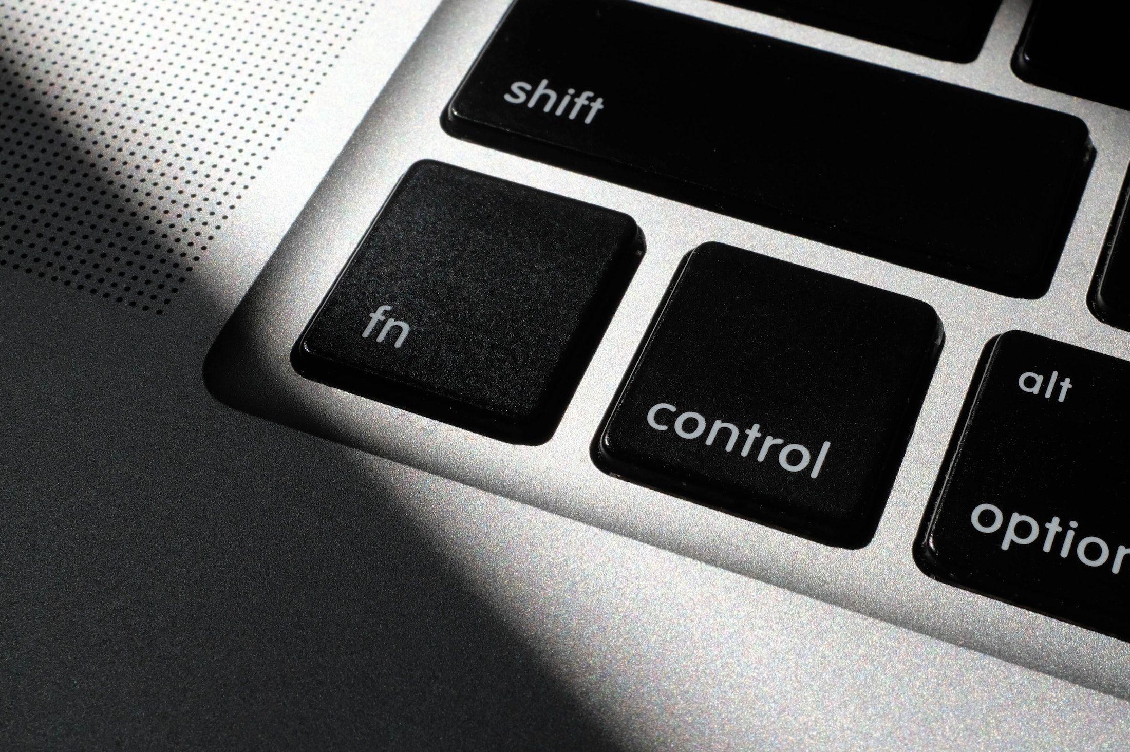 Control-Taste einer Macbook-Tastatur